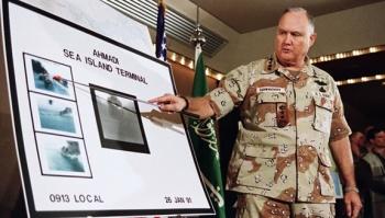 الجنرال الامريكي المتقاعد نورمان شوارزكوف، الذي قاد التحالف الدولي في عملية عاصفة الصحراء/أم المعارك الخالده في حرب الكويت عام 1991
