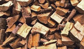 Firewood_from_oak_ash_hardwood_