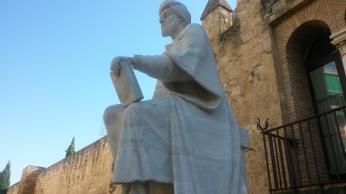 تمثال ابن رشد