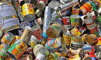 empty-food-cans-recycling-19652090
