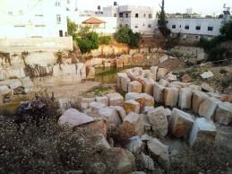 قرية الشيوخ : مشهورة بالمحاجر - بترول فلسطين