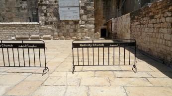 مدخل كنيسة المهد