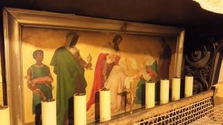 رسومات السيد المسيح والعذراء على جدران كنيسة المهد